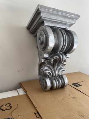 Large silver corbel for Sale in Bay City, MI