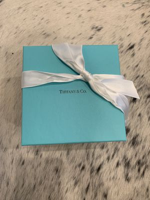 Never used Tiffany's small ring case! for Sale in Beverly Hills, CA