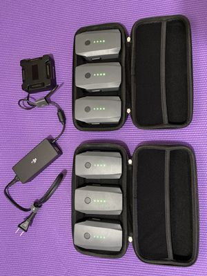 6 Batteries for DJI Mavic Pro Drone (Smart battery charger, case) for Sale in Miami, FL