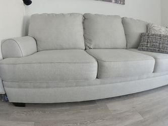 Wayfair Couch Great Condition for Sale in Los Angeles,  CA