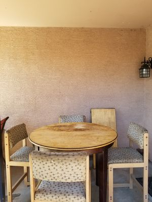 """36"""" high dining/breakfast table with 4 chairs for Sale in Avondale, AZ"""