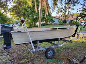 14' Aluminum boat mercury 20hp tiller motor for Sale in Hobe Sound, FL