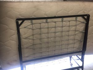 Twin bed for Sale in Reedley, CA