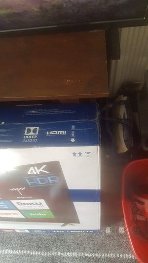 TCL/ROKU SMART TV 55 INCH for Sale in Denver, CO