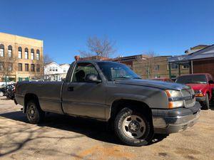 2003 Chevy Silverado 4X4 for Sale in Chicago, IL