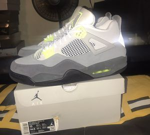AIR JORDAN RETRO 4 SE 95 NEON SIZE 13 for Sale in San Jose, CA