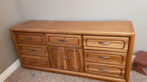 Beautiful Dresser Solid Wood for Sale in Fresno, CA