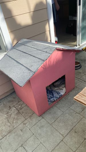 Dog house FREEE for Sale in Hayward, CA