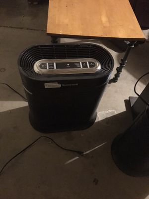 Air Purifier Honeywell HEPA whole room for Sale in Peoria, AZ