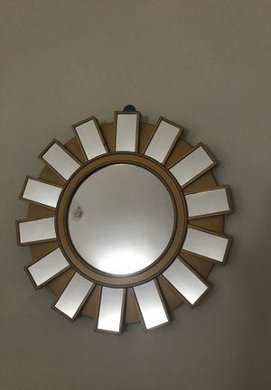 Wall decor/mirror for Sale in Chicago, IL
