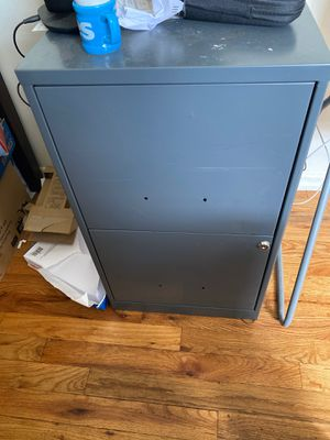 Filing cabinet with 2 draws for Sale in Queens, NY