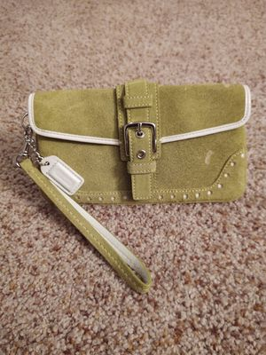 COACH wristlet purse for Sale in Atwater, OH