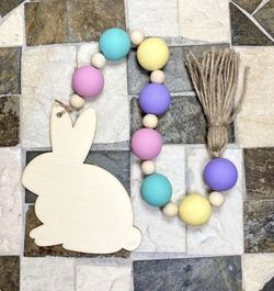 """Easter Farmhouse Wood Bead Garland 18"""" for Sale in Hesperia,  CA"""