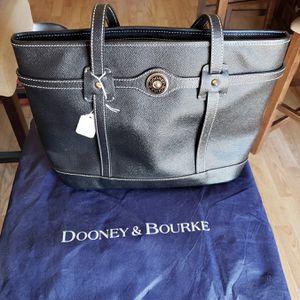 Dooney and Bourke for Sale in Sierra Vista, AZ