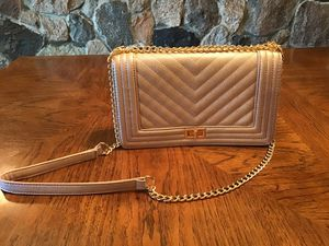 Rose Gold Crossbody Purse with Gold Chain Strap for Sale in Flat Rock, MI