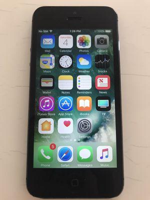 iPhone 5 unlocked 16GB for Sale in San Carlos, CA