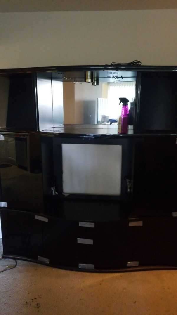 TV / Bar Entertainment set