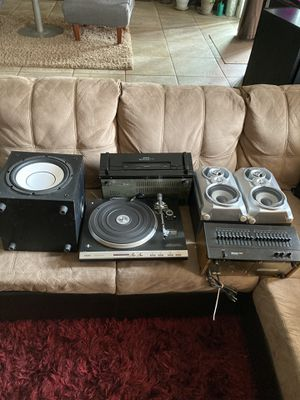 VINTAGE STEREO SYSTEM for Sale in Stockton, CA