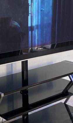 Tv And Desk for Sale in Lawrenceville,  GA