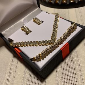 Brand New 14k Gold 3pc Set for Sale in Silver Spring, MD