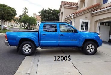 Stored Garage 2005 Toyota Tacoma 4WDWheelss Amazing🍁ser for Sale in Rancho Cucamonga,  CA