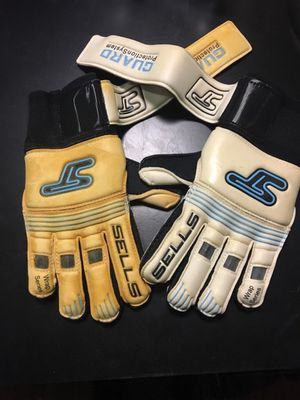 Goaly glove fingersave size 4 only for Sale in Vienna, VA