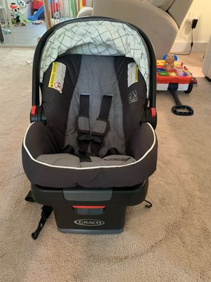 Graco SnugRide SnugLock 30 Infant Car Seat Rear Facing for Sale in Cary, NC