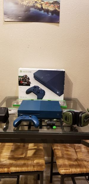 Special edition Xbox one S bundle for Sale in Des Moines, WA
