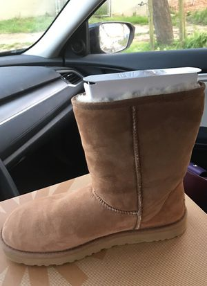 Size 11 women's uggs for Sale in San Francisco, CA