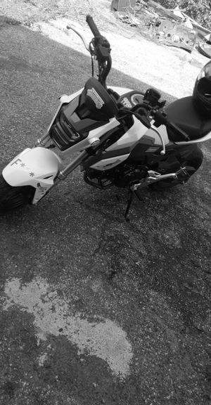 2017 Honda grom 125cc for Sale in Saint Joseph, MO