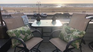 Outdoor High Top Table (4 Chairs Included) for Sale in Wall Township, NJ