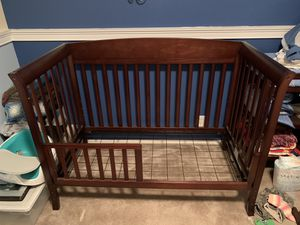 Crib w/mattress and Changing Table for Sale in Tacoma, WA