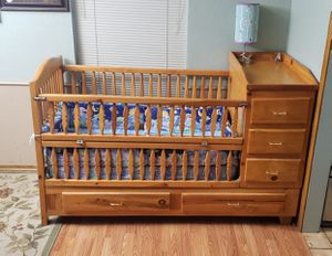 Solid wood crib for Sale in Dallas, TX
