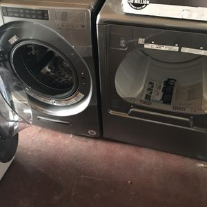 New 4,5 Cu Ft Whirlpool Washer And 8,8 Cu Ft Gas Dryer for Sale in San Leandro, CA