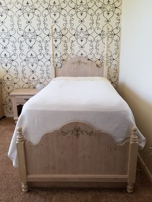 Lea Industries Twin Bedroom Suite for Sale in Florence, AZ