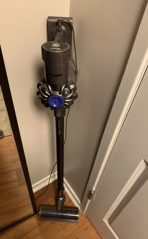 Dyson V6 animal Cordless Vacuum for Sale in Peachtree Corners, GA