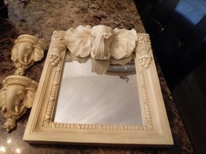 Elephant mirror wall decor 19 x 15 for Sale in St. Louis, MO