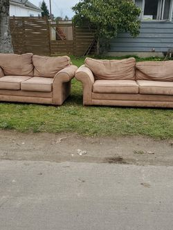 Free Sofa & Loveseat for Sale in Portland,  OR