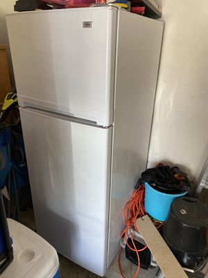 Free Refrigerator for Sale in Sugar Land, TX