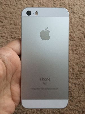 iPhone SE UNLOCKED for Sale in Silver Spring, MD