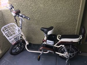 E-pioneer electric Scooter for Sale in Las Vegas, NV