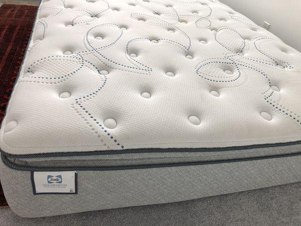 Seally Goldenrod Queen mattress.