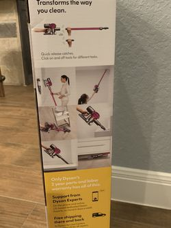 Dyson Stick Vacuum for Sale in Poteet,  TX