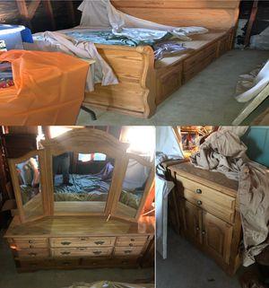 Preserved $3000 Oak California King Bedroom Set for Sale in Fresno, CA