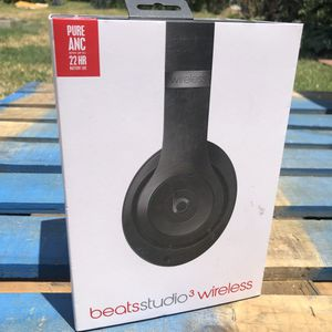 Beats Studio 3 Wireless Bluetooth headphone Matt black come with all original accessories used like NEW noise cancelling for Sale in Rosemead, CA