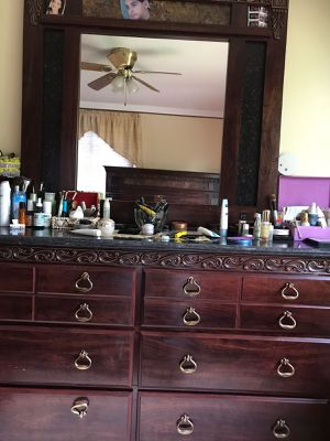 Queen bedroom in great condition for Sale in Dearborn, MI