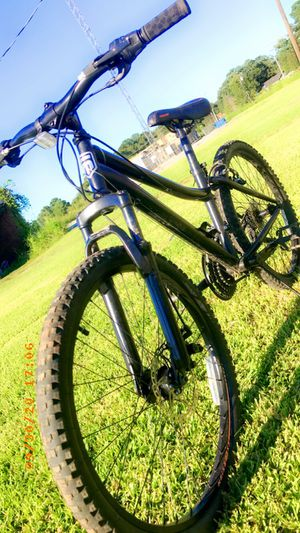 Mongoose Excursion Mountain Bike, 24-inch wheel, 21 speeds for Sale in Lafayette, LA
