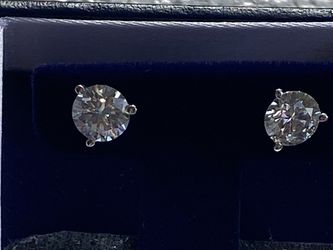 2 carat Moissanite studs for Sale in Staten Island,  NY
