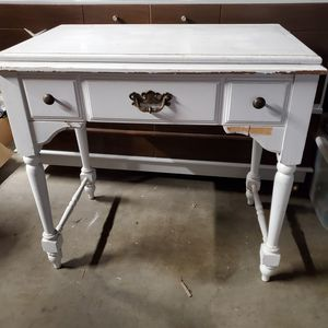 Antique Shabby White Desk/Vanity for Sale in Long Beach, CA