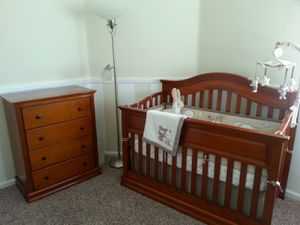 Crib set - 3 piece for Sale in Beaumont, CA